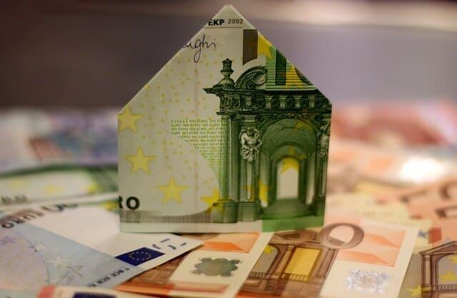 הלוואות מול חיסכון