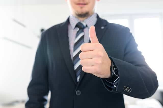 איך בוחרים סוכן ביטוח? עשרת הדברות לבחירת סוכן ביטוח מעולה