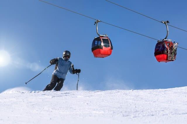 """ביטוח סקי – מה חשוב לדעת לפני שרוכשים ביטוח לחופשת סקי בחו""""ל"""
