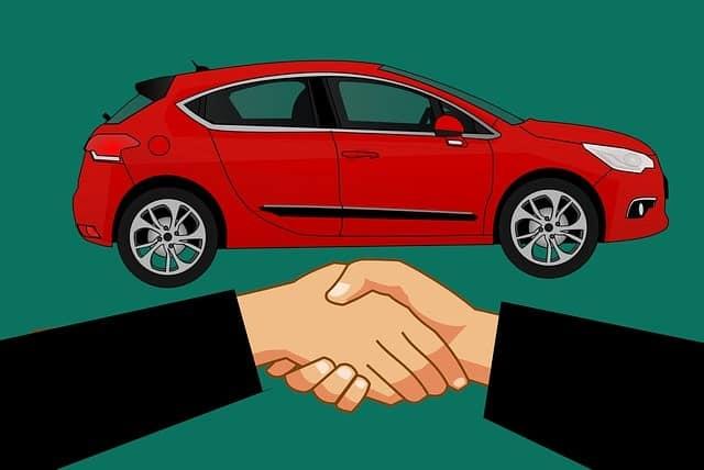 לחיצת ידיים בעסקת רכב