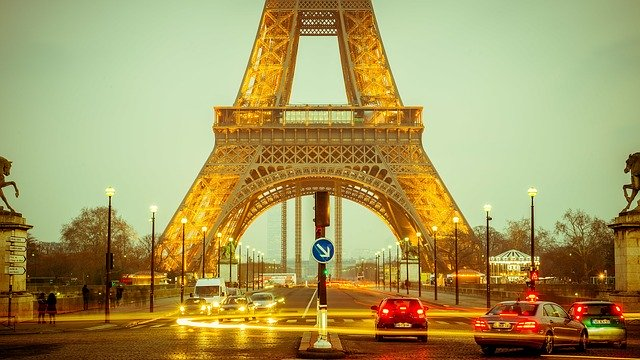 מגדל אייפל - צרפת