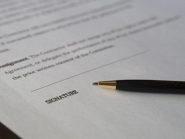 חתימה לפני הלוואה