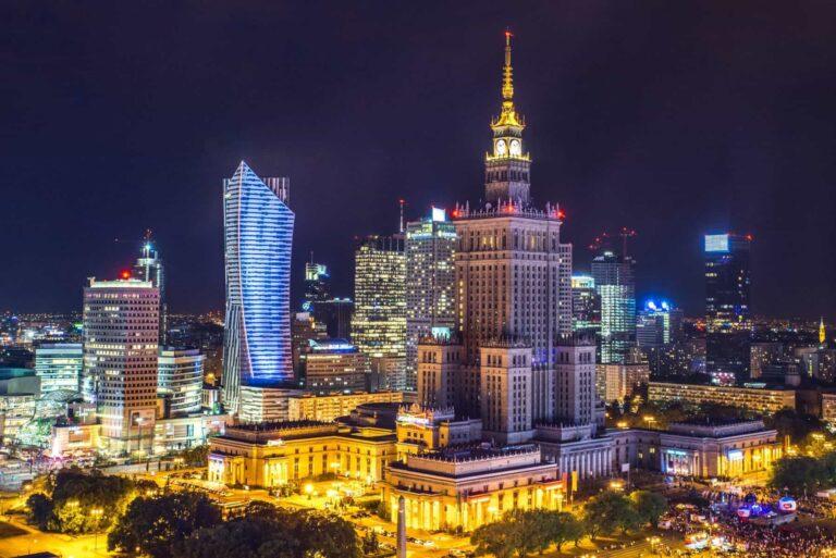 פולין בלילה
