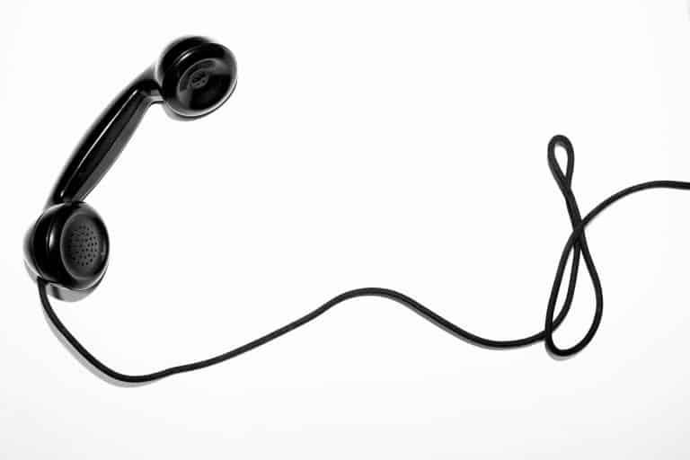כבל טלפון קרוע - תקשורת